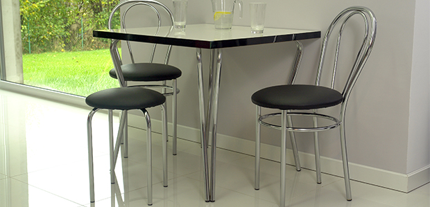 Stół z noga Ola